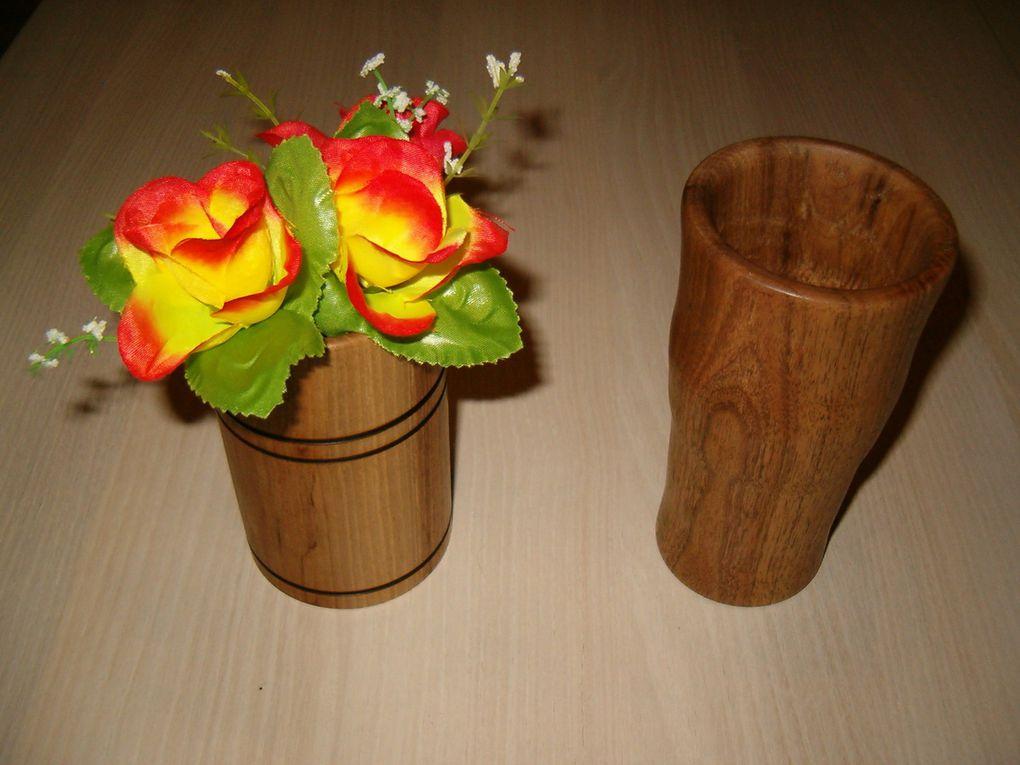 Vase, bougeoirs, toupies et toujours en modèle unique