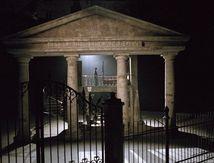 dans la série photo retrouvée:MANDARLAY le temple 2005.