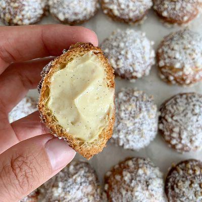 Chouquettes fourrées à la crème pâtissière vanille 2.0