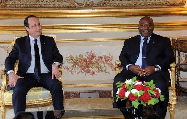 Ali Bongo Ondimba échange avec François Hollande
