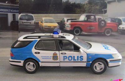 FASCICULE N°6 SAAB 9.5 POLIS STOCKHOLMS UNIVERSAL HOBBIES 1/43