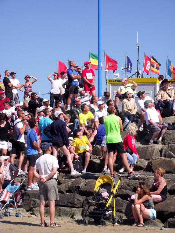 Les Foulées du Gois le 25 juin 2011.Une course unique en France qui se déroule sur le passage du Gois à marée basse pour nous.Départ du continent jusqu'à l'ile de Noirmoutier et retour.Bravo aux jeunes, la relève est assurée !!!