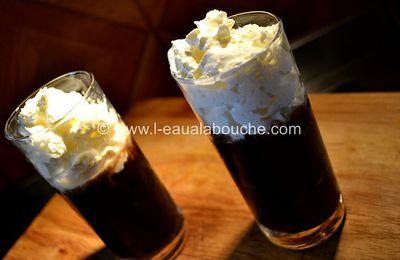 Blanco y Negro-Café Glacé à la Chantilly
