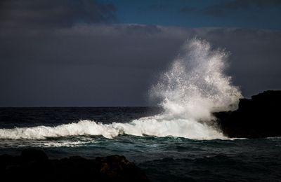 """""""D'une vague à l'autre"""": Images de vagues aux Iles Canaries"""