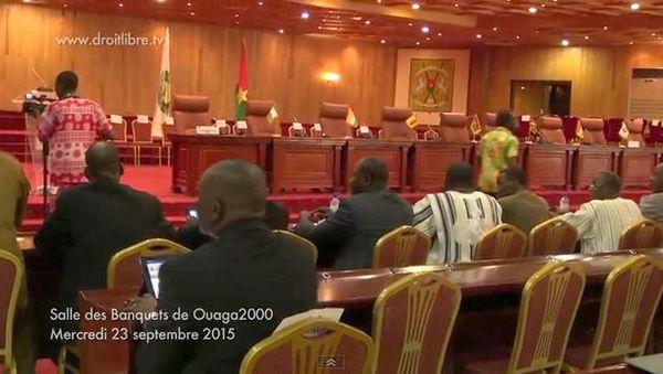 Cérémonie de remise officielle du pouvoir au président Michel Kafando