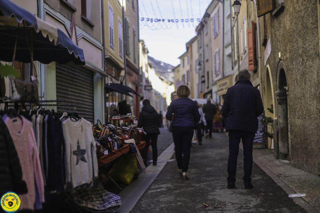 St André les Alpes  : Le marché de Noël de St André les Alpes