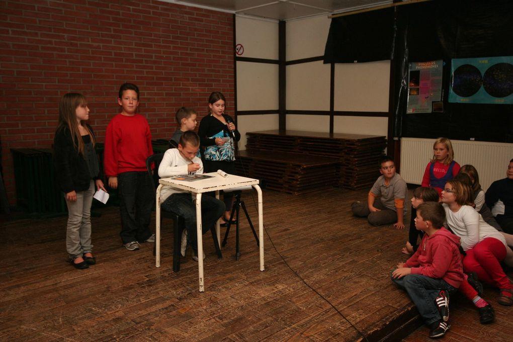 """A l'initiative de """"Numerica Europa"""" et de la commune d'Hermin dans le Pas-de-Calais, une soirée astronomie dans le cadre de l'AMA animée par l'AAS de Saint-Laurent-Blangy a rassemblé les éléves du RPI et les Zinzins de l'Espace, le club astronom"""