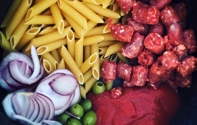One Pan Pasta Penne aux merguez et tomate