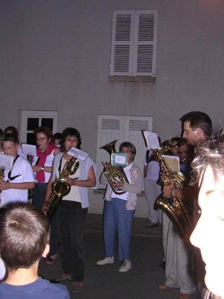 <P>Le 2 juillet 2005 Fête patronale de Boynes</P> <P>Concert &amp; Défilé aux Lampions</P>