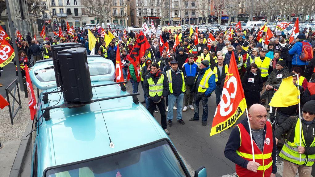 Le 19 mars, tous ensemble, gilets jaunes et syndicats, dans la force et la détermination