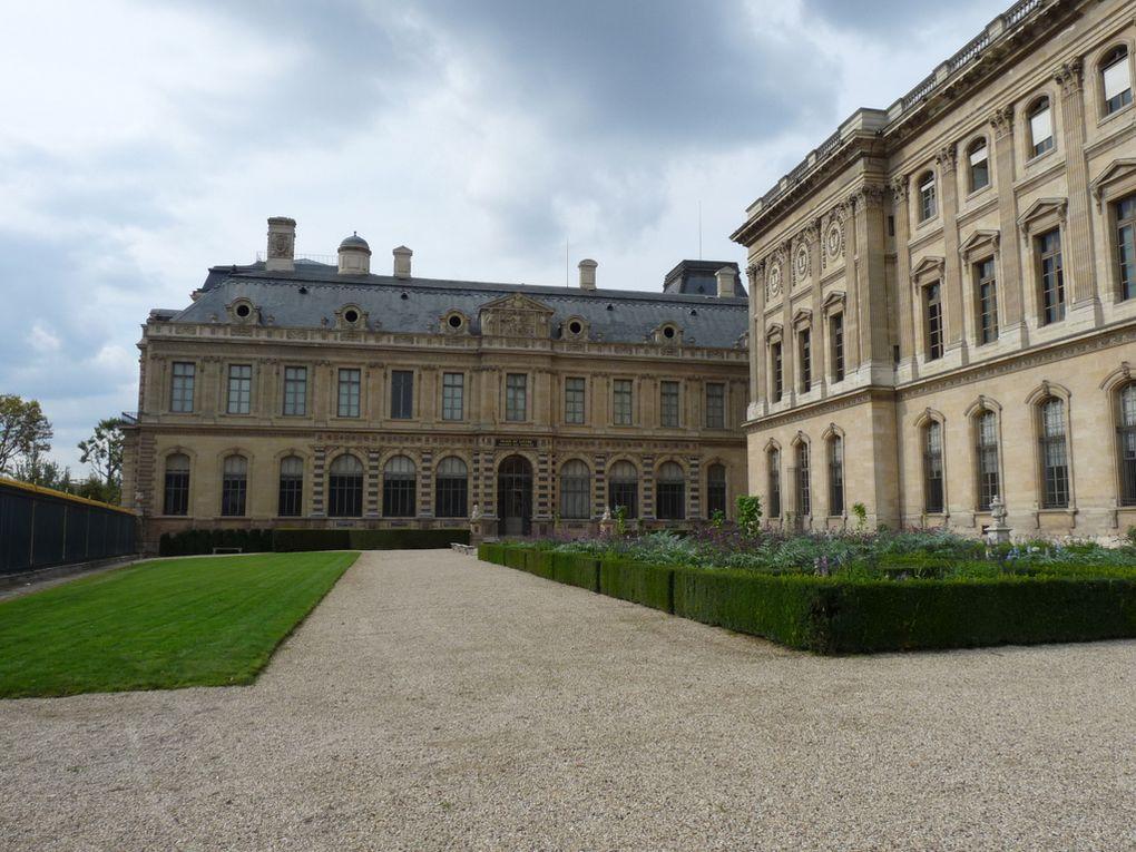 PARIS  75001
