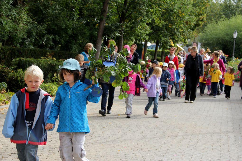 Jubiläumsfeier im kleinen Kreis vor dem Rathaus am 9.9.2011