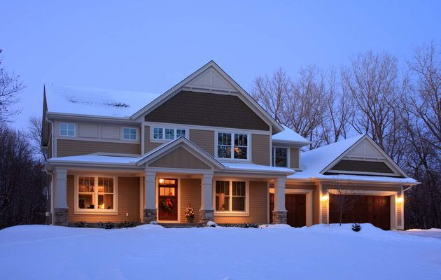 24/7 Garage Door Service Washington DC: Preventing a Security Compromise for Your Apartment