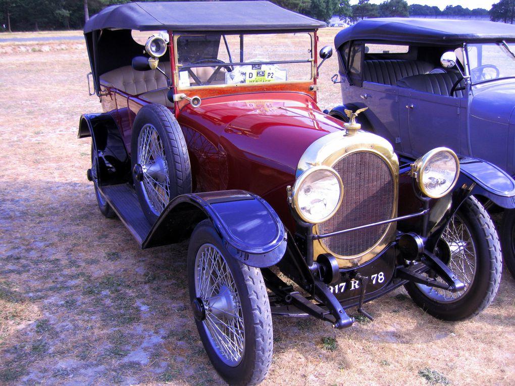 Autodrome Heritage Festival 2011 Linas Montlhery démonstration voitures et motos anciennes de course et de sport