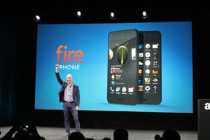 Amazon Fire Phone :  l'histoire du premier ''shopping phone''!