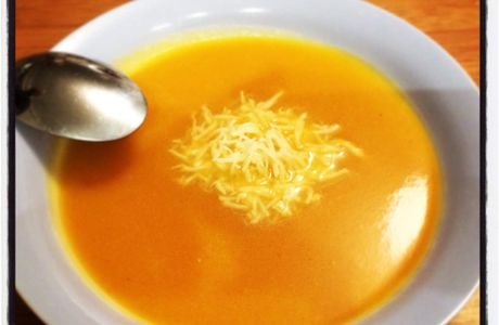 MICROMINUTE Soupe de Courge Musquée à la pointe de Curry