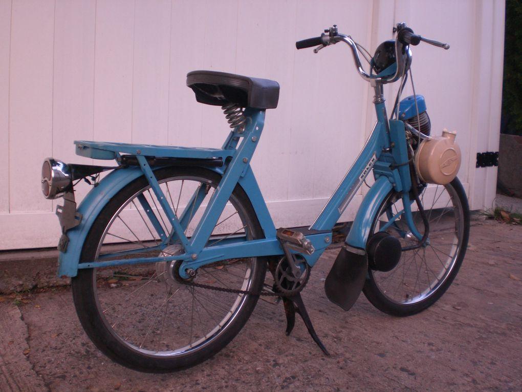 Brian's blue 1975 Solex 4600 V2, New York, USA.