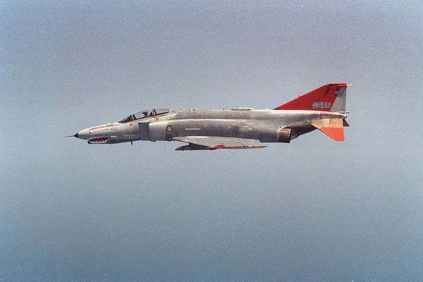 © USAF - Un drone QF-4 Phantom II, reconnaissable à ces marquages oranges, lors d'un vol.