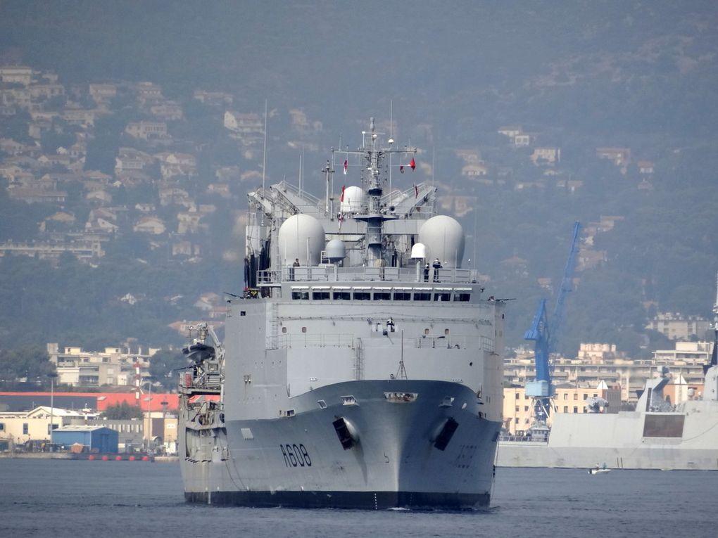 VAR  ,A608, batiment de commandement et de ravitaillement ( BCR) appareillant de Toulon le 02 octobre 2017