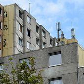 Hochhäuser abgeriegelt: Mann stirbt in Corona-Quarantäne