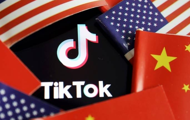 Donald Trump gives TikTok 6 weeks to sell itself to US company
