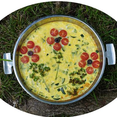 Frittata aux courgettes, emmental & tomates - IG Bas
