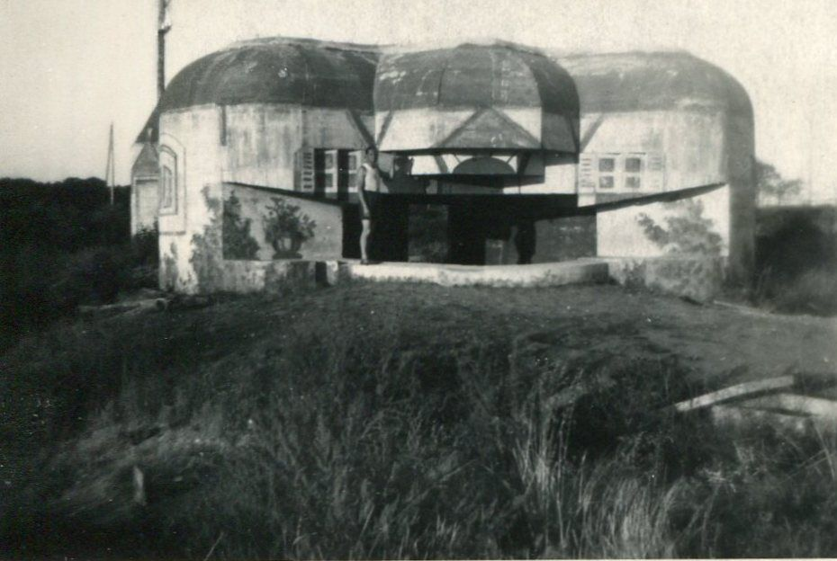 Et quelques autres vues, dont deux sur Royan, la rue et le blockhaus camouflé sur le front de mer.
