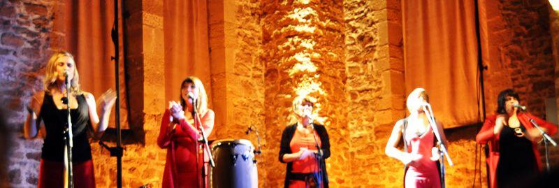 Photos du concert du 5 juillet 2009 à la Halle aux grains de Quettehou (Manche) et du 31 octobre 2010 halle aux grains