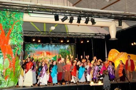 Salle des Capucins à Is et l'Abreuvoir à Salives, en Mars 2011,  les chorales FM et le choeur d'enfants se sont surpassés pour ce spectacle mémorable!... Merci aux artistes, aux professeurs et aux bénévoles pour ces deux reprsentations