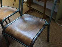 LOT DE CHAISES D'ECOLE (VENDUES)