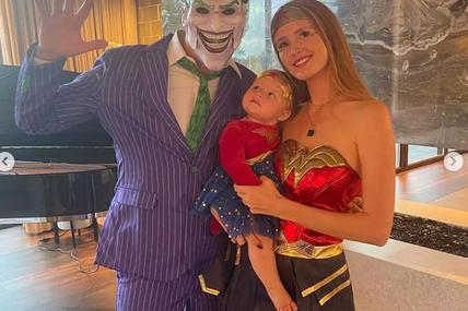 Tiësto, Annika, Viola Halloween at Home - October 2021