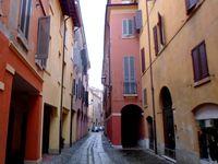 En direction de Sant Eufemia, en jaune, à gauche de la troisième photo