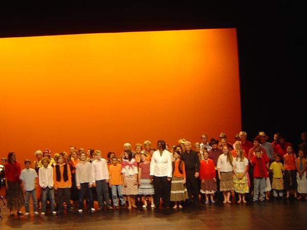 """Quelques photos de nos concerts de Gaia en juin 2007 avec la chorale d'Ivry le temple, le choeur départemental d'enfants et l'orchestre """"Le Concert"""" dirigé par le compositeur, Andréas Matalian."""