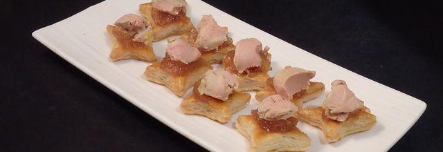 Etoiles feuilletées au confit de pommes au rhum et foie gras