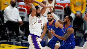 Les Lakers s'inclinent lourdement face à Denver en perdant Anthony Davis
