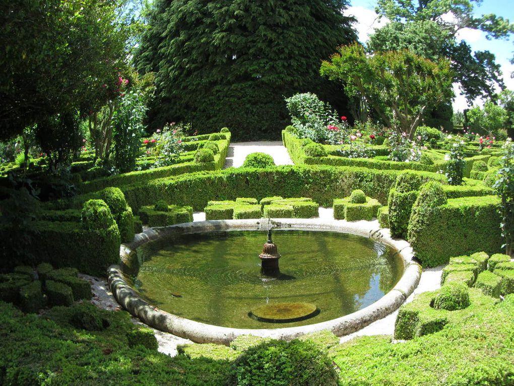 La Casa de Mateus et ses jardins ( Vila Real Portugal )