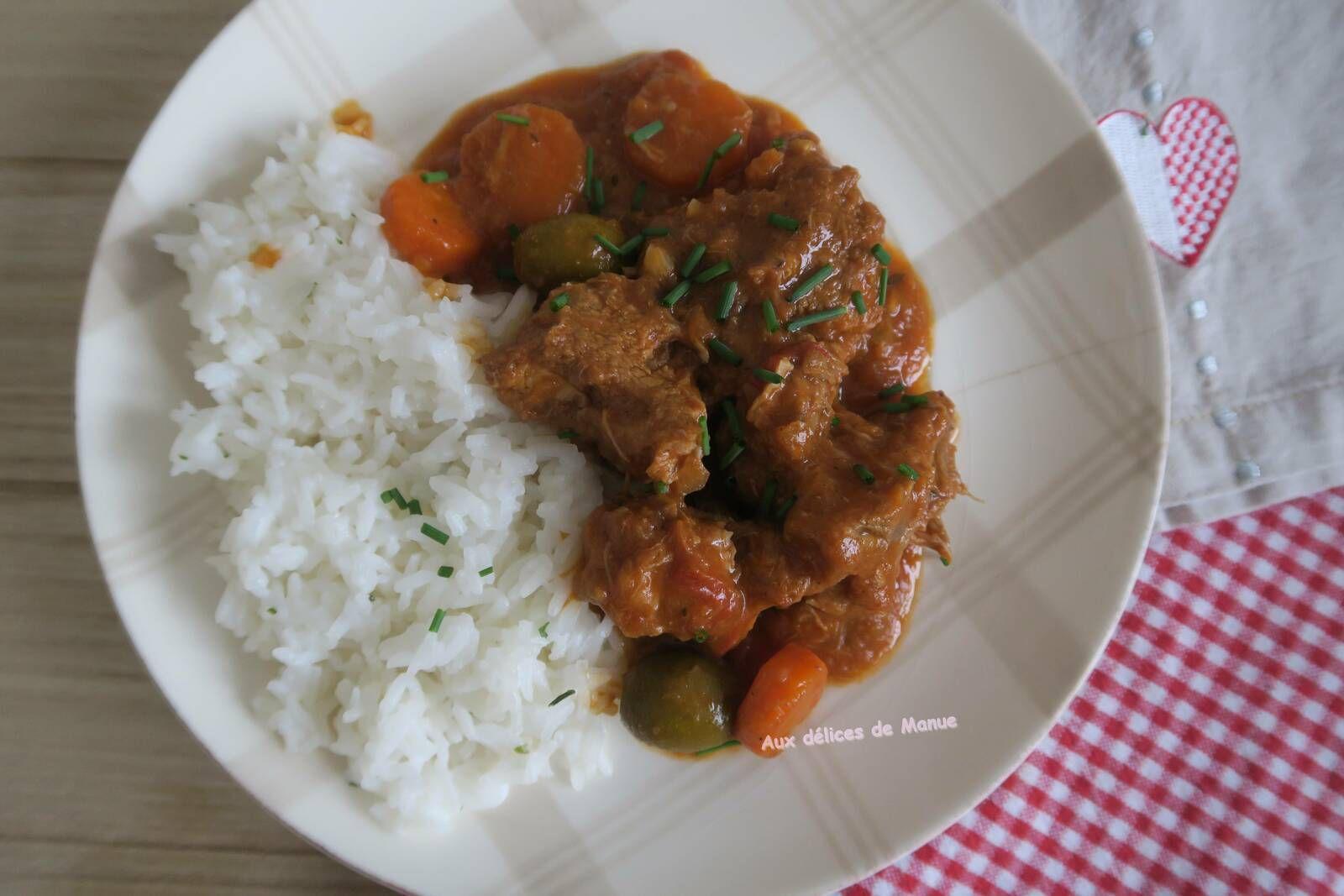 veau,collier,mijoté,carottes,m. cuisine, olives, sauté