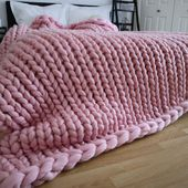 Chunky knit blanket - PINK chunky knit throw - Pink blanket - chunky knit - arm knitting blanket - bed runner - pink throw - Christmas - $75.00 GBP