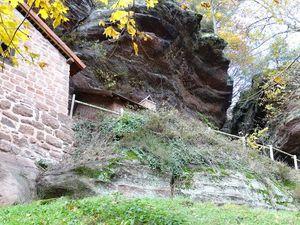Le Falkenfels et les maisons troglodytes de Haselbourg