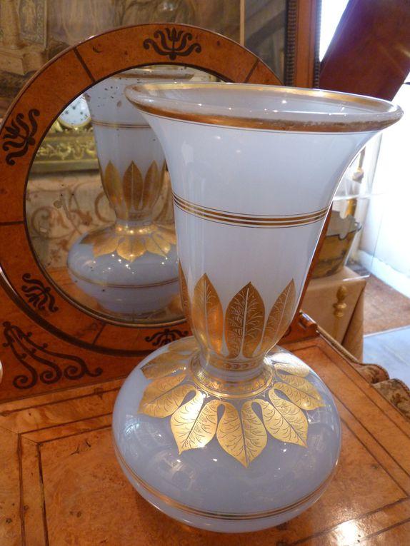 Vases, coupes, flacons ... en opaline d'époque Charles X et Louis-Philippe