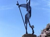 Quelques images du Somport : vierge, pélerin stylisé.