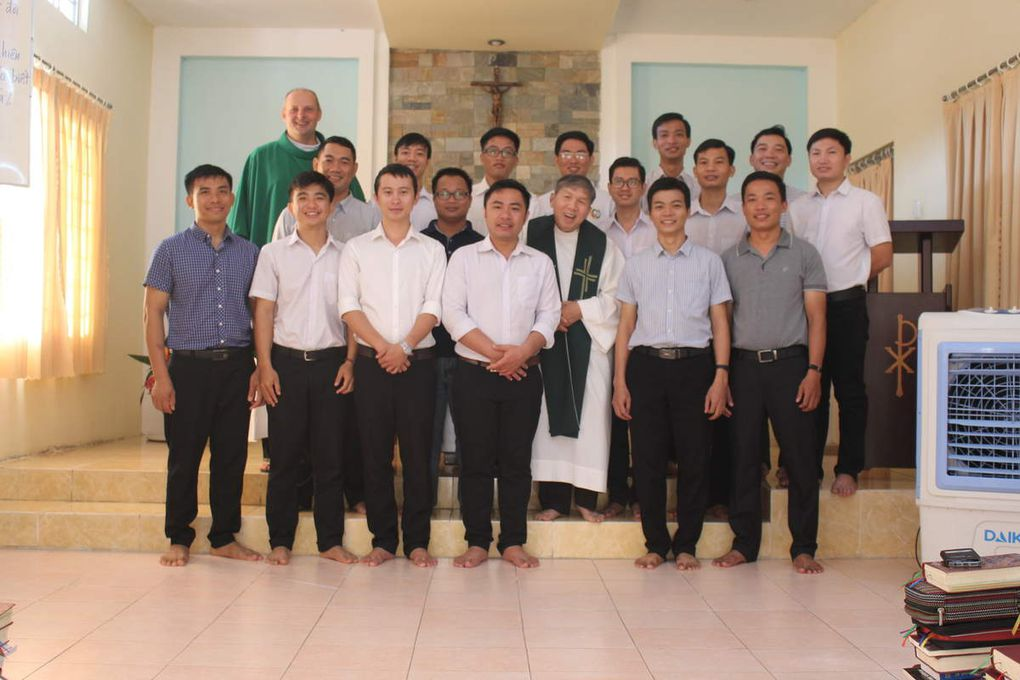 Life in the novitiate: seminars for our aspirants and postulants, gardening,...