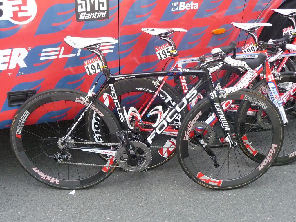 Départ de la dernière étape du tour de France 2011. Photos : Alexandre Cotte.