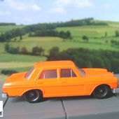 MERCEDES 250 1/72 MODELE EN PLASTIQUE - car-collector.net
