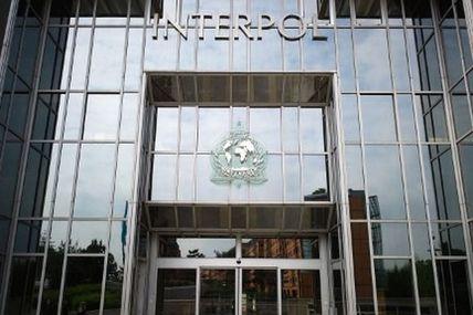 """Vaccins : Interpol émet un avertissement mondial face au crime organisé qui a adopté un comportement """"opportuniste et prédateur sans précédent""""!"""