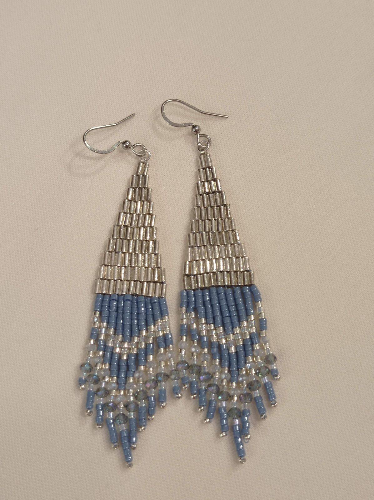 REF.VN236- BO perles de verre, cristal, crochets en acier chirurgical, long. 8,6cm, larg. 1,6cm. 25€.