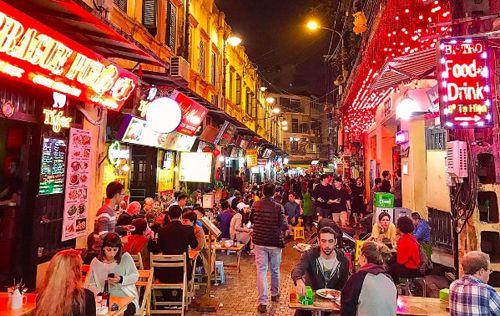 Mách bạn những địa điểm ăn chơi ở phố cổ - quận Hoàn Kiếm Hà Nội