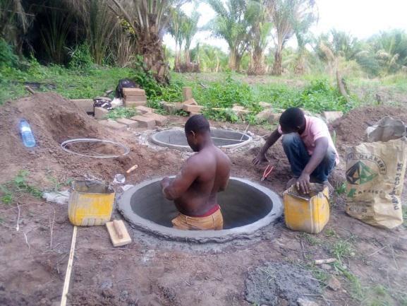 construction d'une porcherie en lien avec la production maraîchère du champ -école pour production de compost