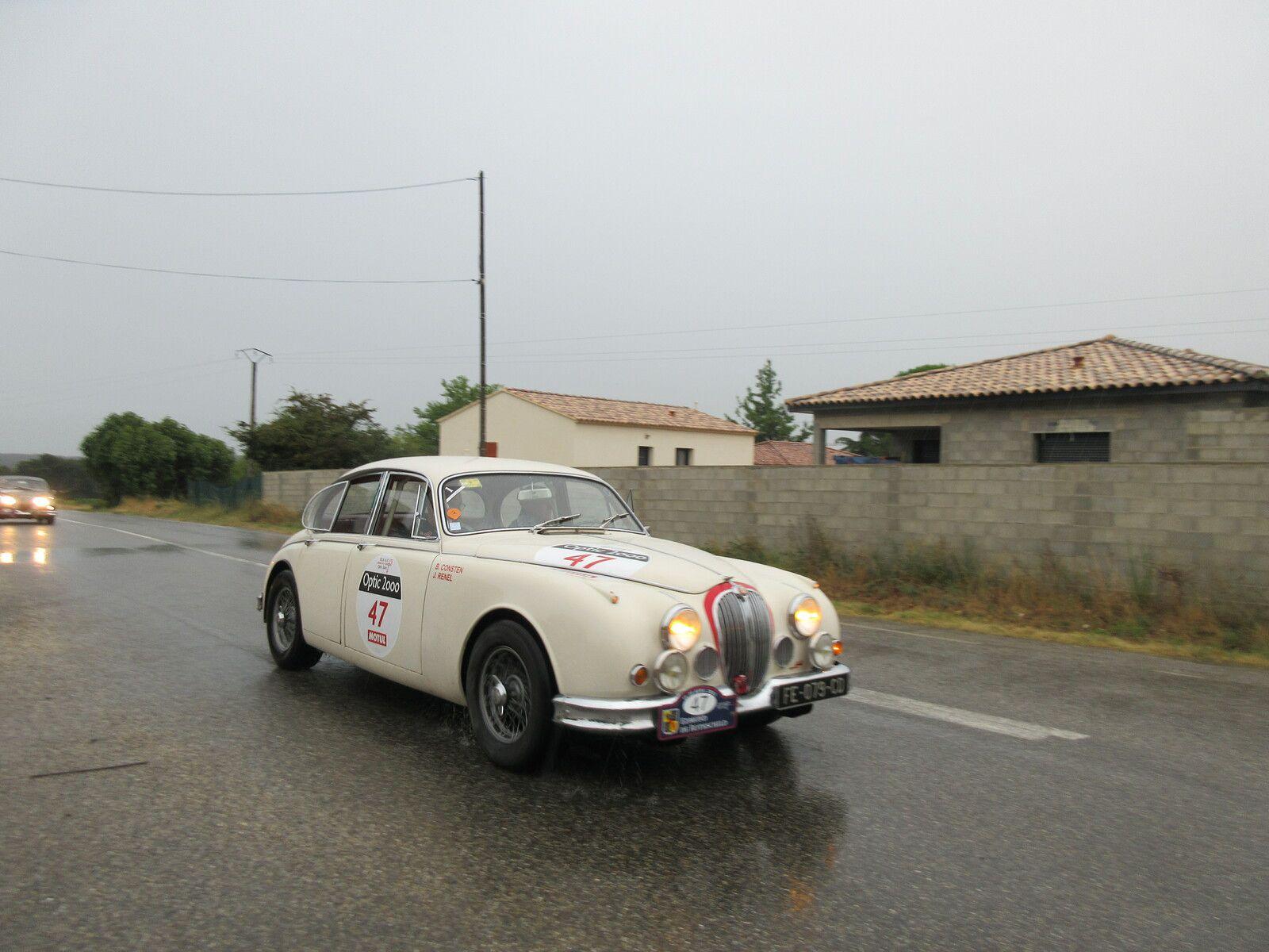 Vendredi 3 SEPTEMBRE 2021 la 4ème étape du  Tour Auto passait  par POUZILHAC (Gard)
