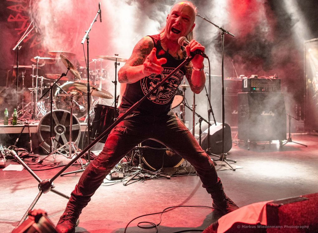 Live review DESTRUCTION/BARK/HELLBENDER, Gebr. de Nobel, Leiden - 24.11.2017